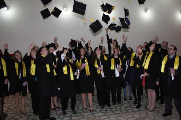 Absolvent de facultate